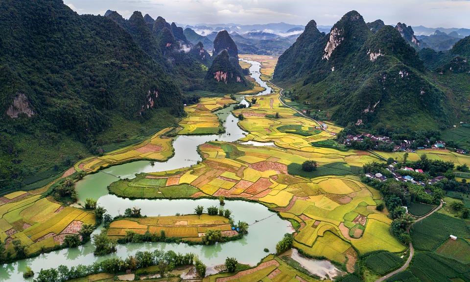 L'attribut alt de cette image est vide, son nom de fichier est httpwww.clubpresse.fr-Les-belles-choses-a-voir-au-Vietnam-le-temps-dun-sejour.jpg. Les somptueux paysages que dévoile le Vietnam